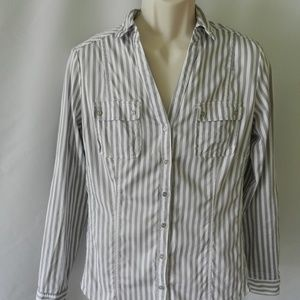NY& Co Long Sleeve Button Down Shirt 16